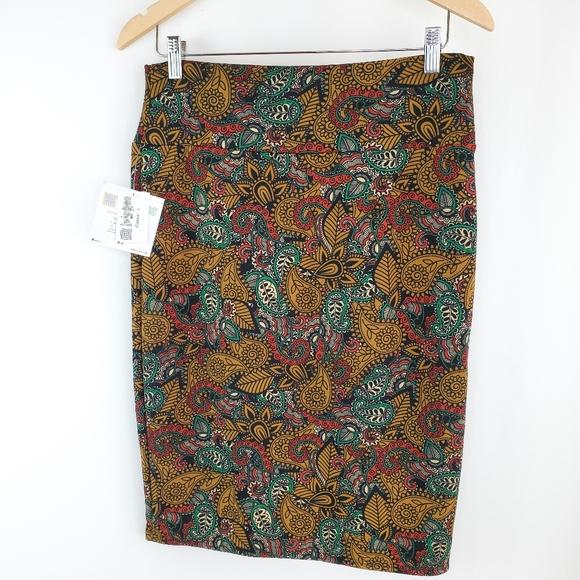 NWT Lularoe L Cassie skirt